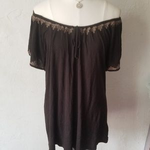 DKNYC black embroidered peasant top